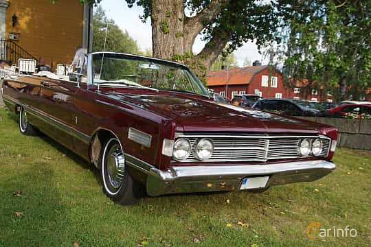Front/Side  of Mercury Park Lane Convertible 6.7 V8 Automatic, 334ps, 1966 at Onsdagsträffar på Gammlia Umeå 2019 vecka 33
