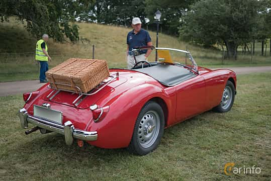 Back/Side of MG MGA Twin-Cam Coupé 1.6 Manual, 110ps, 1960 at Thulinträffen 2017