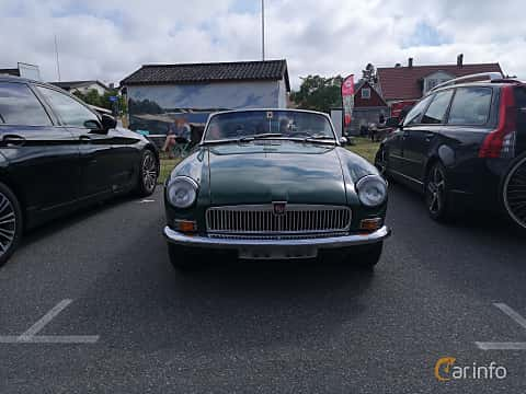 Front  of MG MGB Roadster 1.8 Manual, 95ps, 1965