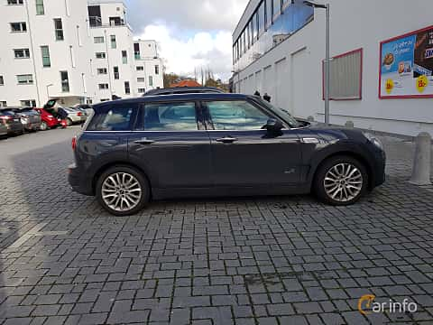 Side  of MINI Cooper S ALL4 Clubman 2.0 ALL4 Manual, 192ps, 2018
