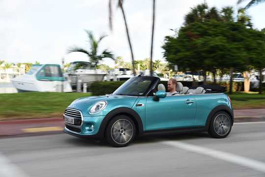 Front/Side  of MINI Cooper Convertible  Manual, 136hp, 2015