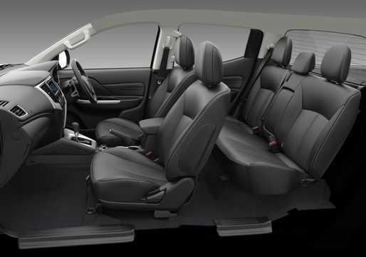 Interiör av Mitsubishi L200 Double Cab 2019