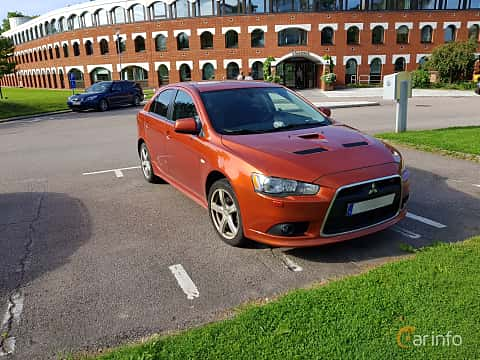 Front/Side  of Mitsubishi Lancer Sportback Ralliart 2.0 Turbo 4WD DCT, 241ps, 2010