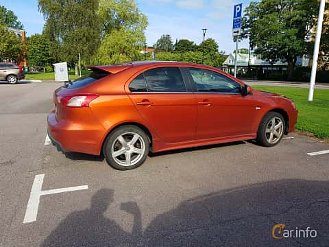 Side  of Mitsubishi Lancer Sportback Ralliart 2.0 Turbo 4WD DCT, 241ps, 2010
