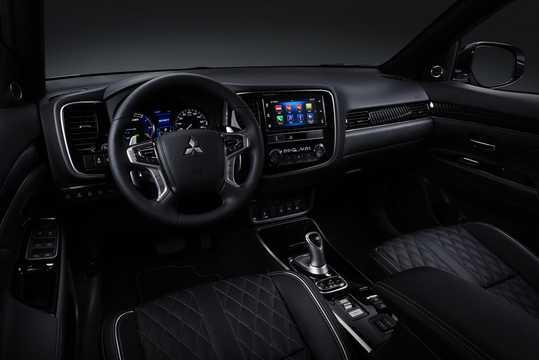 Interior of Mitsubishi Outlander P-HEV 2.4 Hybrid 4WD 230hp, 2019