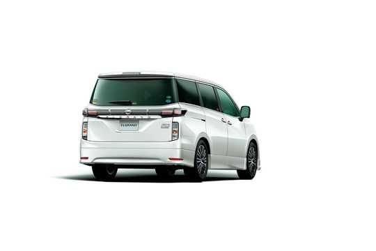 Bak/Sida av Nissan Elgrand 2016