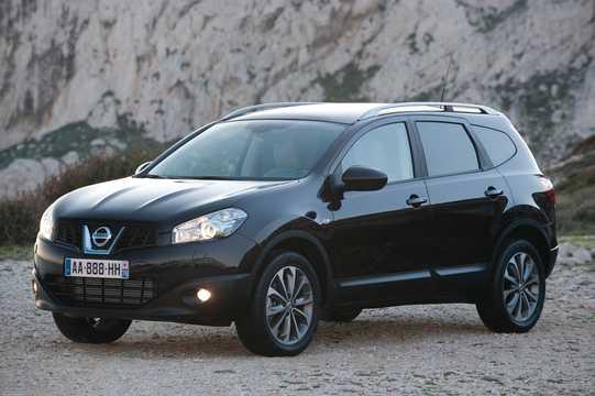 Fram/Sida av Nissan Qashqai 2011