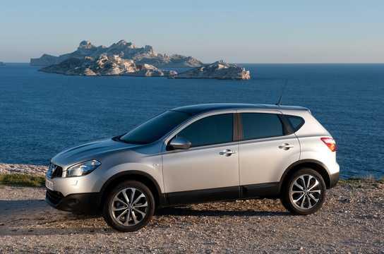 Sida av Nissan Qashqai 2011