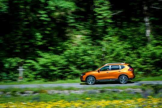 Sida av Nissan X-Trail 2017