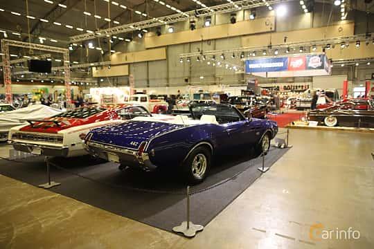 Bak/Sida av Oldsmobile 4-4-2 Convertible 6.6 V8 Hydra-Matic, 330ps, 1969 på Bilsport Performance & Custom Motor Show 2019