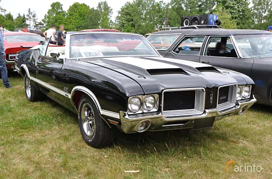 Front/Side  of Oldsmobile 4-4-2 W-30 Convertible 7.5 V8 Hydra-Matic, 355ps, 1971 at Hässleholm Power Start of Summer Meet 2016