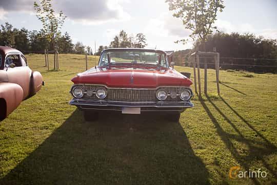 Fram av Oldsmobile 88 2-door Holiday Hardtop 6.1 V8 Automatic, 1959 på Bil & Mc-café vid Tykarpsgrottan v.33 (2017)
