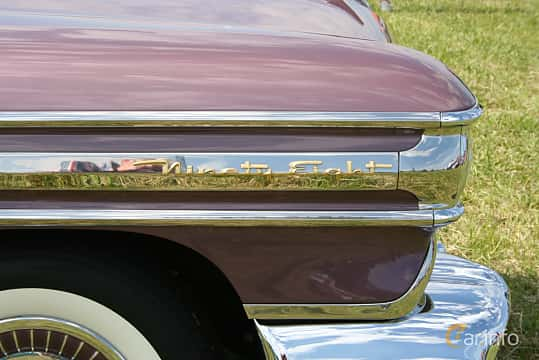 Close-up of Oldsmobile Ninety-Eight Convertible Coupé 6.1 V8 Hydra-Matic, 309ps, 1958 at Power America Fest, Nossebro 2016