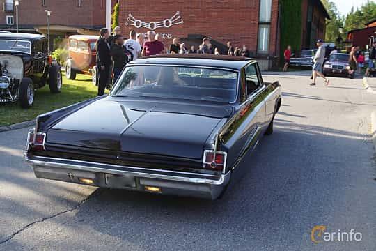 Back/Side of Oldsmobile Dynamic 88 Holiday Sedan 6.5 V8 Manual, 284ps, 1963 at Onsdagsträffar på Gammlia Umeå 2019 vecka 28