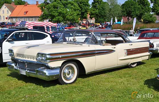 Front/Side  of Oldsmobile Super 88 Holiday Sedan 6.1 V8 Hydra-Matic, 309ps, 1958 at Hässleholm Power Start of Summer Meet 2016