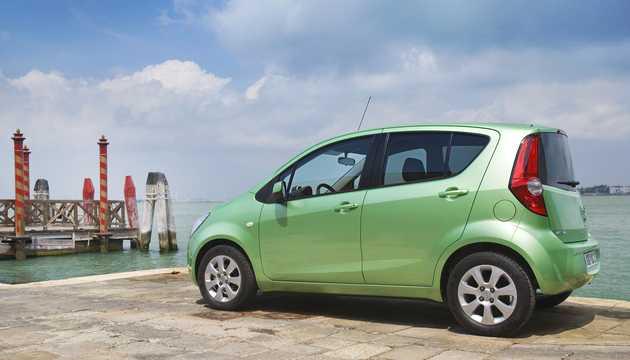 Back/Side of Opel Agila 2008