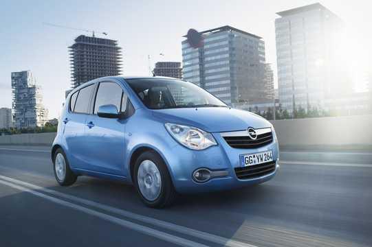 Front/Side  of Opel Agila 2008