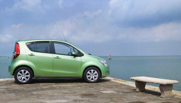 Side  of Opel Agila 2008