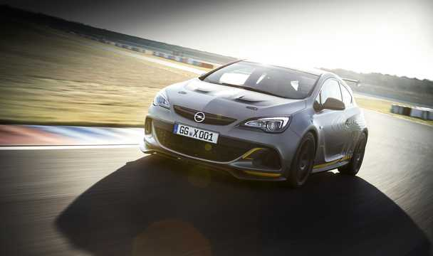 Front/Side  of Opel Astra OPC Extreme 2.0 Turbo Manual, 306hp, 2014