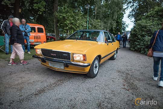 Front/Side  of Opel Commodore Coupé 2.8 Automatic, 155ps, 1977 at Billesholms Veteranbilsträff September / 2015