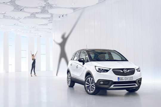 Front/Side  of Opel Crossland X 1st Generation