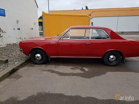 Side  of Opel Rekord 2-door 1.7 S Manual, 75ps, 1968
