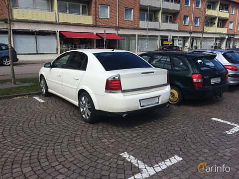 Back/Side of Opel Vectra Sedan 2.2 Direct Manual, 155ps, 2007