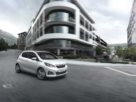 Front/Side  of Peugeot 108 TOP! 5-door 1st Generation