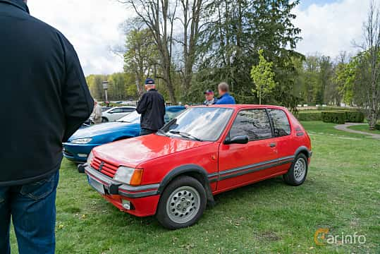 Front/Side  of Peugeot 205 3-door 1.6 Manual, 104ps, 1987 at Fest För Franska Fordon  på Taxinge slott 2019
