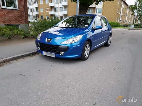 Front/Side  of Peugeot 307 5-door 2.0 Manual, 140ps, 2007