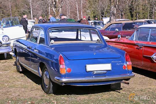 Back/Side of Peugeot 404 Coupé 1.6 Manual, 86ps, 1964 at Uddevalla Veteranbilsmarknad Backamo, Ljungsk 2019
