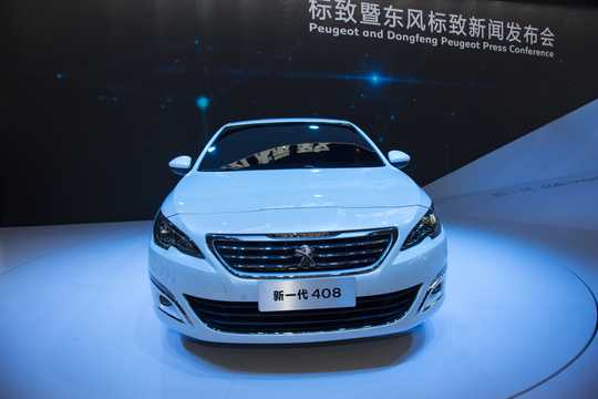 Front  of Peugeot 408 2014
