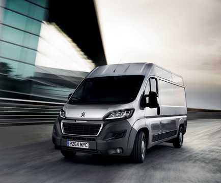 Fram/Sida av Peugeot Boxer Crew Van 2015