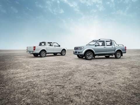 Front/Side  of Peugeot Pick Up 2017