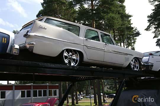 Back/Side of Plymouth Custom Suburban 4-door 5.2 V8 TorqueFlite, 233ps, 1959