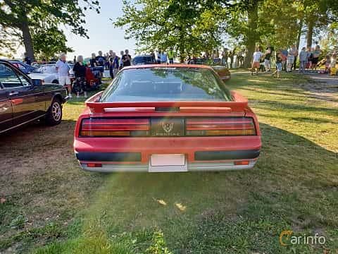 Back of Pontiac Firebird 2.8 V6 Automatic, 135ps, 1989 at Fordonsträffar i Flen v.30 / 2019