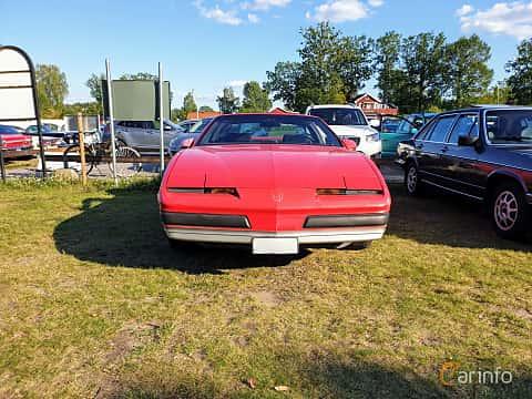Front  of Pontiac Firebird 2.8 V6 Automatic, 135ps, 1989 at Fordonsträffar i Flen v.30 / 2019