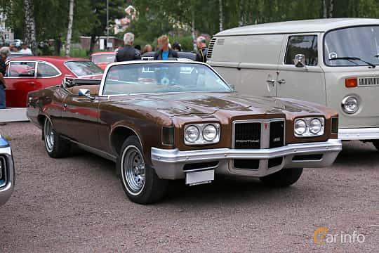Front/Side  of Pontiac Grand Ville Convertible 6.6 V8 Hydra-Matic, 188ps, 1972 at Kungälvs Kulturhistoriska Fordonsvänner  2018 v.33