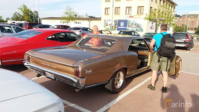 Back/Side of Pontiac Tempest 2-door Hardtop 5.3 V8 Hydra-Matic, 289ps, 1966 at Nostalgidagarna Härnösand 2019