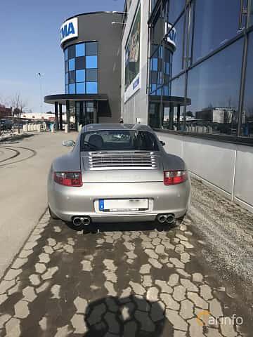Back of Porsche 911 Carrera 4S 3.8 H6 4 Manual, 355ps, 2006