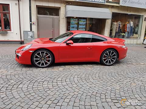 Front/Side of Porsche 911 Carrera S 3.8 H6 PDK, 400ps, 2013
