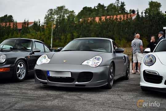 Front/Side  of Porsche 911 Turbo S 3.6 H6 4 TipTronic, 450ps, 2003