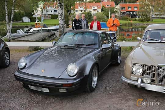 Front/Side  of Porsche 911 Turbo  Manual, 300ps, 1986 at Kungälvs Kulturhistoriska Fordonsvänner  2019 Torsdag vecka 35