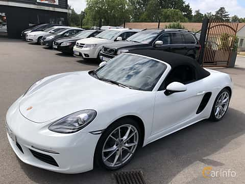 Front/Side  of Porsche 718 Boxster 2.0 H4 PDK, 300ps, 2017