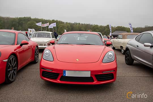 Front  of Porsche 718 Cayman 2.0 H4 PDK, 300ps, 2019 at Lucys motorfest 2019
