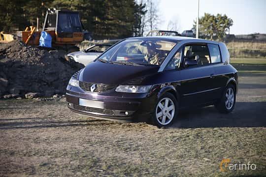 Front/Side  of Renault Avantime 3.0 V6 Manual, 207ps, 2002 at Motorträffar på Nifsta Gård (v.18 2016)