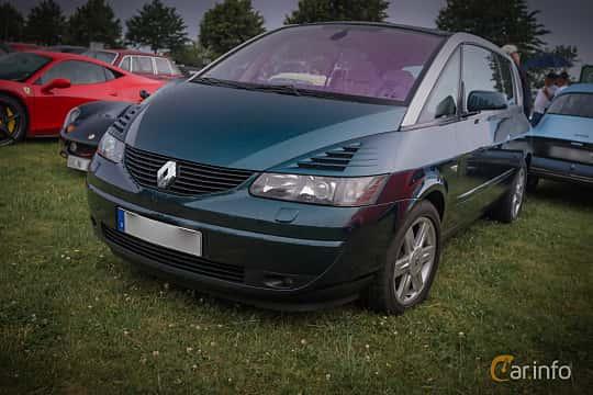 Front/Side  of Renault Avantime 3.0 V6 Manual, 207ps, 2002 at Tisdagsträffarna Vikingatider v.28 / 2015