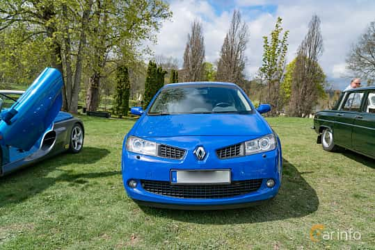 Front  of Renault Mégane RS 3-door 2.0 Turbo Manual, 230ps, 2008 at Fest För Franska Fordon  på Taxinge slott 2019