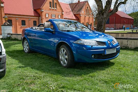 Front/Side  of Renault Mégane Coupé-Cabriolet 2.0 Turbo Manual, 163ps, 2006 at Fest För Franska Fordon  på Taxinge slott 2019