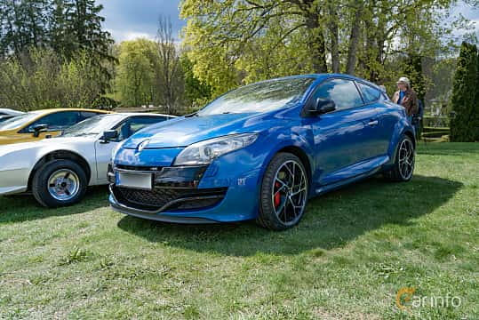 Front/Side  of Renault Mégane RS 2.0 TCe Manual, 250ps, 2011 at Fest För Franska Fordon  på Taxinge slott 2019